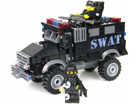 Battle Brick Customs Vehicle Set (Model: SWAT Armored Truck)