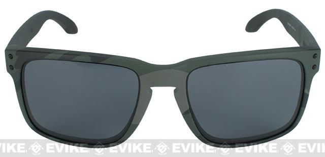 8f89302e4a ... order oakley holbrook sunglasses color multicam black warm grey. hover  or touch above to zoom