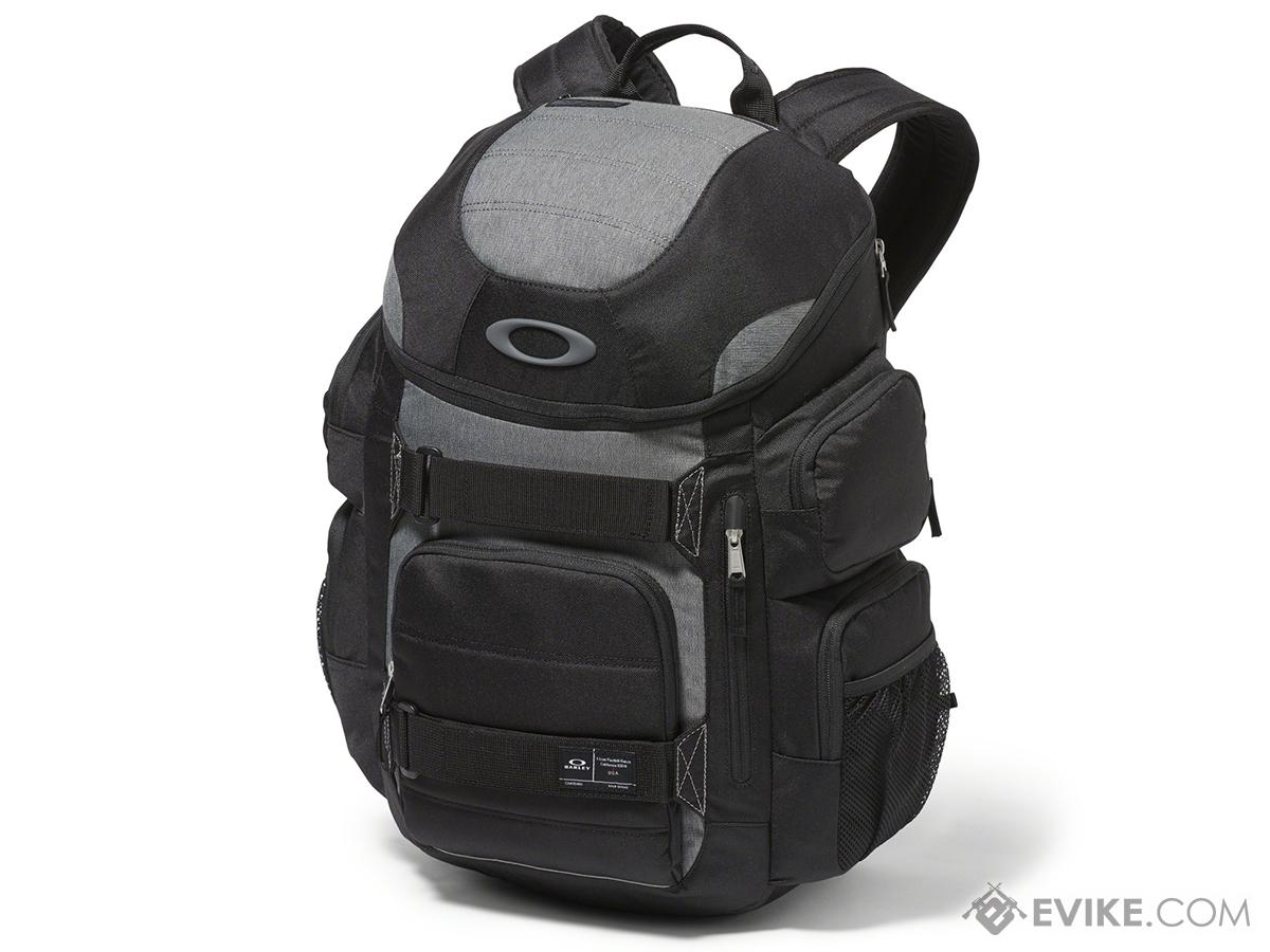 603d57e2e8 Oakley Enduro 30L 2.0 Backpack (Color  Blackout). Hover or touch above to  zoom. Product image 1
