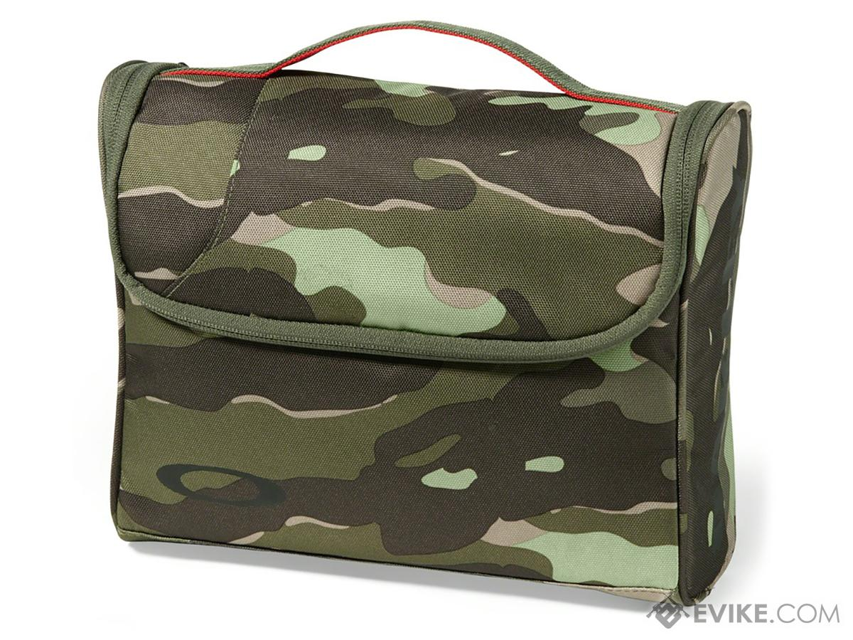 Oakley Body Bag 2.0 (Color: Olive Camo)