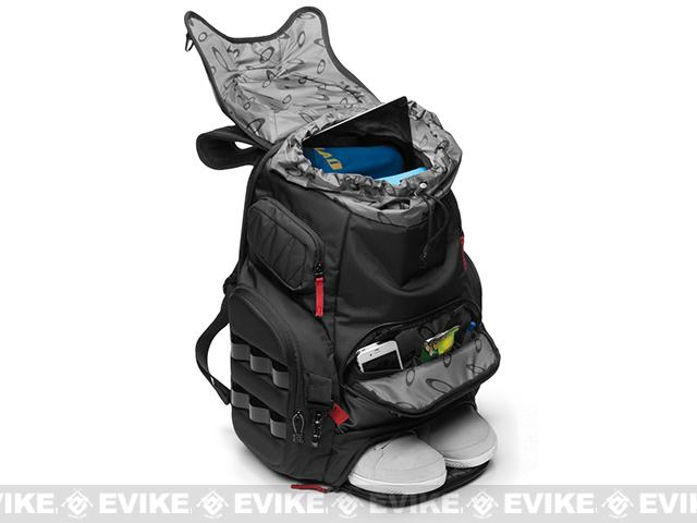 Oakley The Kitchen Sink Z oakley big kitchen backpack black evike workwithnaturefo