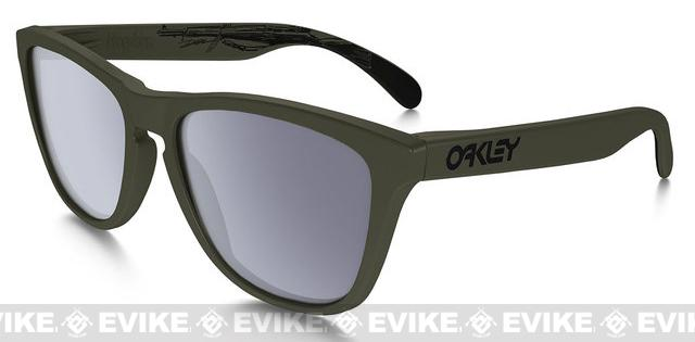 Oakley SI Frogskin James Dietz Edition Matte Moss with Grey Lenses