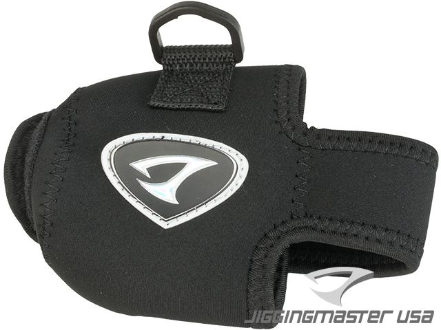 Jigging Master Neoprene Casting / Conventional Reel Cover Pouch (Size: Medium)