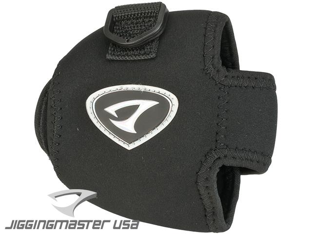 Jigging Master Neoprene Casting Reel Cover Pouch (Size: Large)