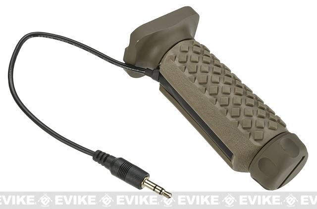 G&P Keymod Tactical Remote Switch Aluminum / Rubber Long Vertical Grip w/ Switch (Color: Sand)