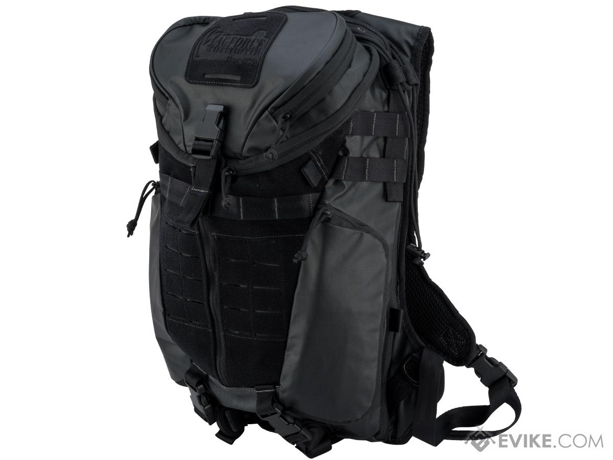 MagForce Stinger Pack (Color: Jet Black)