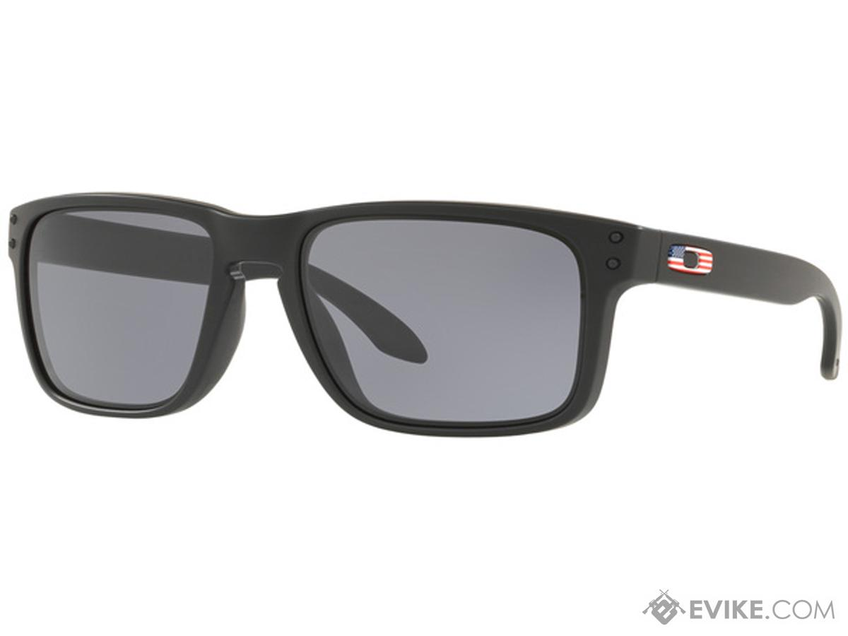 Oakley SI Holbrook Sunglasses (Color: Matte Black / Grey)