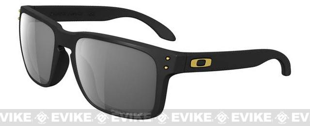 Oakley Shaun White Signature Series Polarized Holbrook™