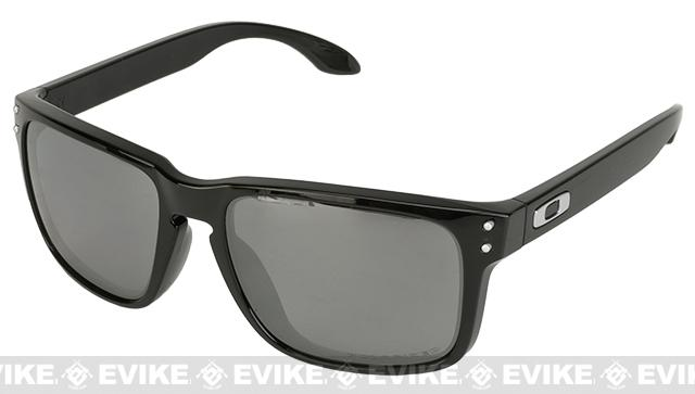 Oakley Holbrook - Matte Black w/ Polarized Iridium Lenses (Asian Fit)