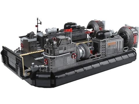 XingBao Collectible Building Block Set (Style: Amphibious Transport Ship)