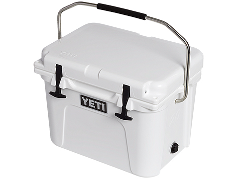 YETI Roadie Ice Chest (Model: 20 / White)